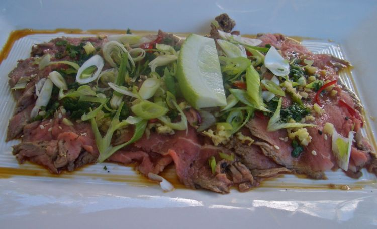 Beef tataki is fresh and tasty with melt in the mouth beef