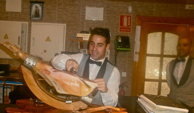 Ooh...carving my jamon