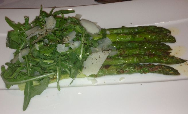 Amazing grilled asparagus with pecorino