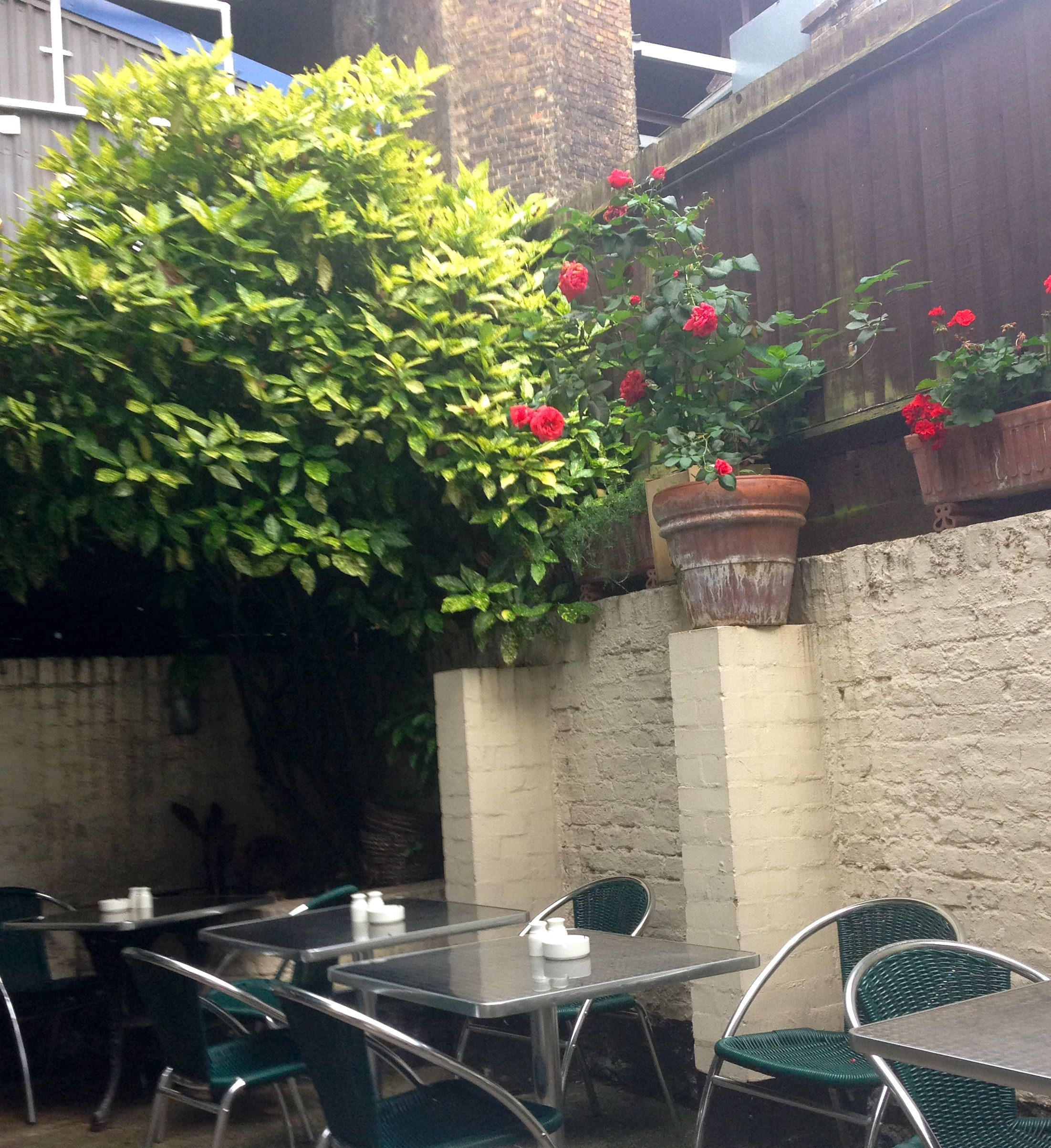 I love courtyards in London
