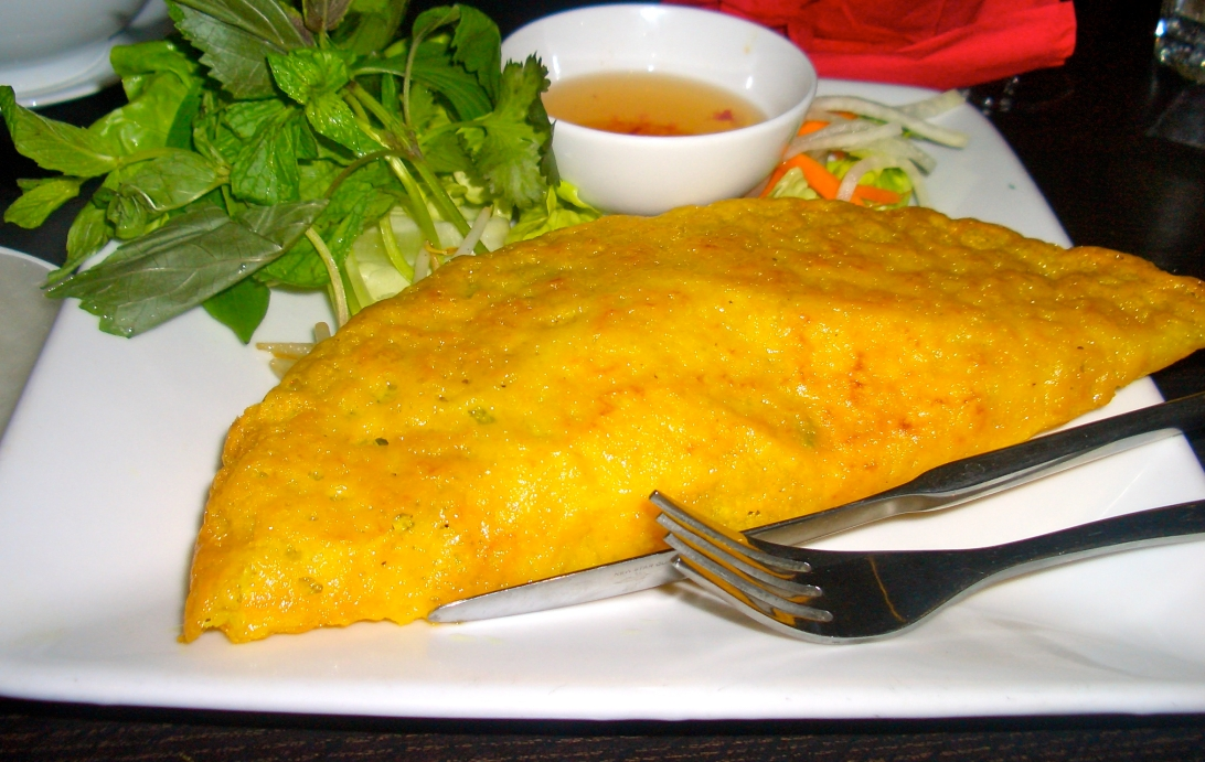 The amazing crispy pancake stuffed with prawns and pork